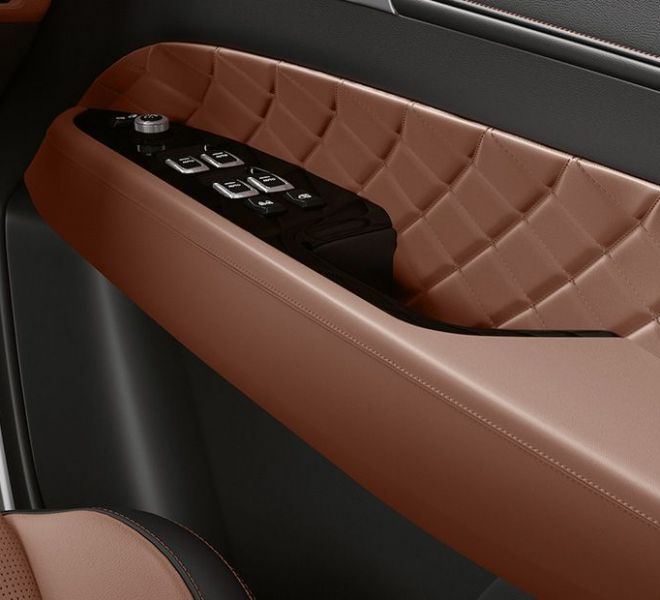 Automotive Mahindra Alturas G4 Interior-15