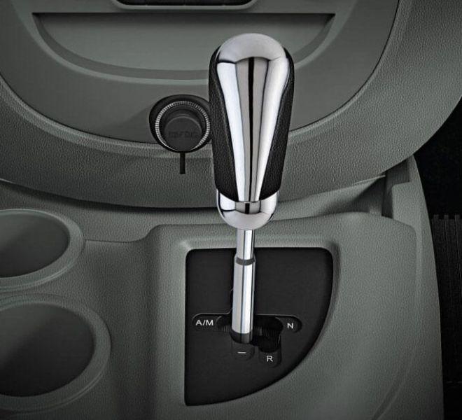 Automotive Mahindra Nuvosport Interior-12