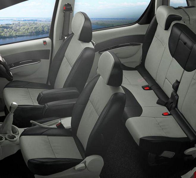 Automotive Mahindra Nuvosport Interior-6