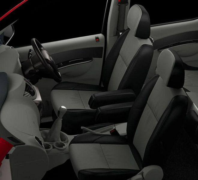 Automotive Mahindra Nuvosport Interior-7