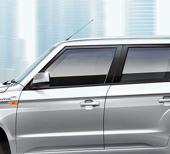 Automotive Mahindra TUV300 Plus Exterior-12