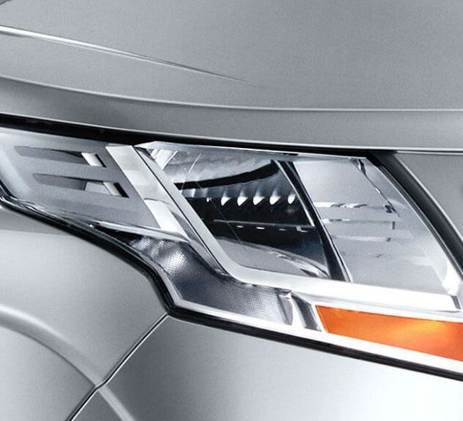 Automotive Mahindra TUV300 Plus Exterior-9