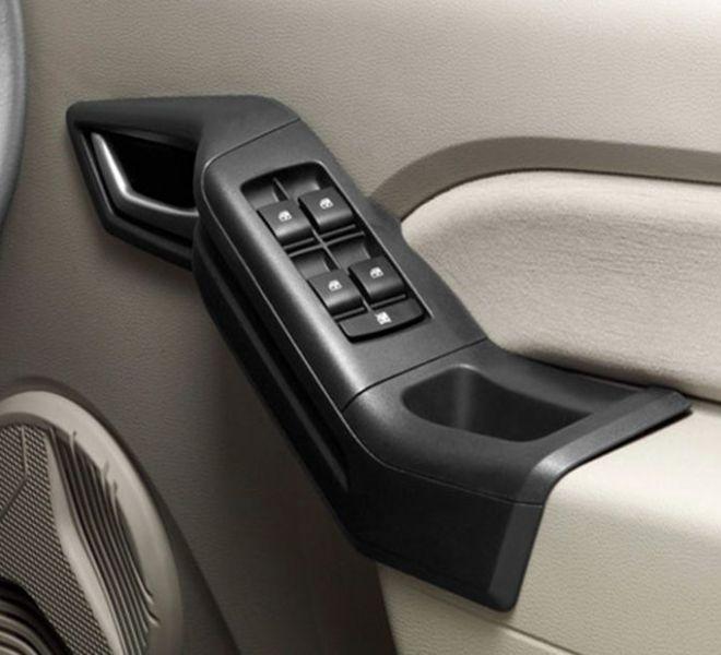 Automotive Mahindra Verito Interior-7