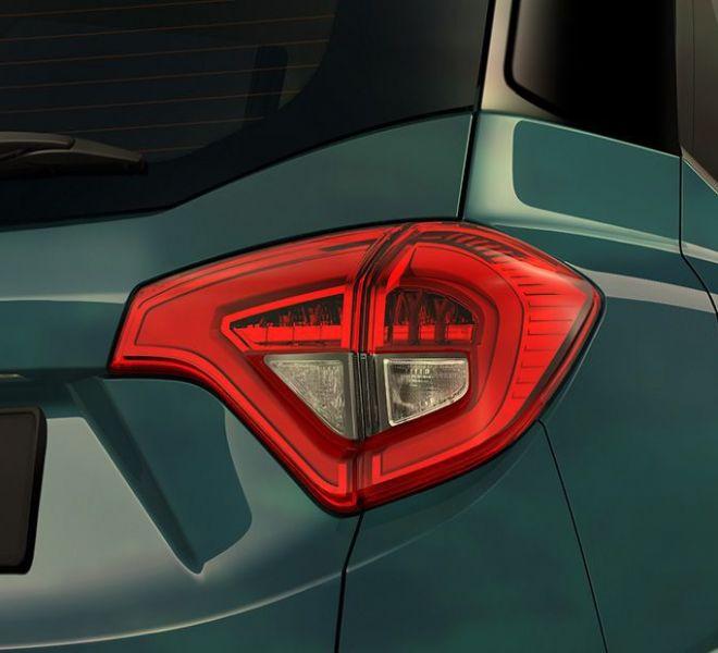 Automotive Mahindra XUV300 Exterior-6