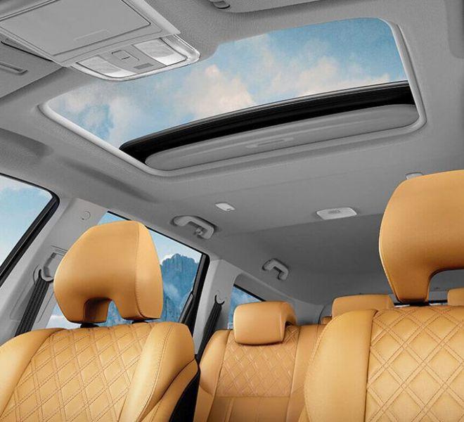 Automotive Mahindra XUV500 Interior-8